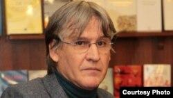 Prof.univ. Marcel Tolcea, Facultatea de Jurnalism, Timișoara.