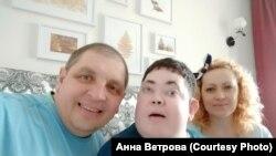 Егор Доронин с родителями