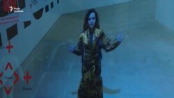 Віце-спікер Верховної Ради шукала фейки в Музеї новин (відео)