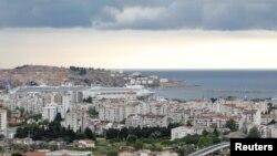 Градот и пристаништето Бар