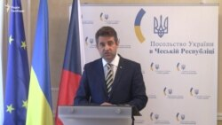 Перша прес-конференція посла України в Чехії Євгена Перебийноса