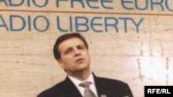 Boris Trajkovski, Fotografija napravljena tokom jedne posete Radiju Slobodna Evropa