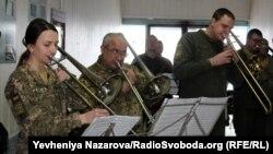 Серед виконаних музичних творів прозвучала композиція «Танок лицарів» Сергій Прокоф'єва, чиє ім'я носив Донецький аеропорт