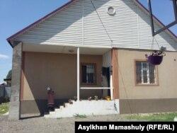 Дом, в котором находится центр Asar. Алгабас, 12 июля 2016 года.