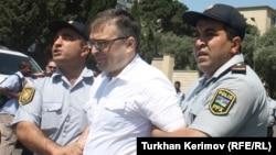 «REAL» Hərəkatının həmsədri İlqar Məmmədov polis tərəfindən saxlanılıb