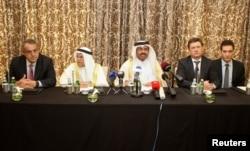 Александр Новак (второй справа) и министры энергетики стран Персидского залива и Венесуэлы. Встреча в Дохе в феврале 2016 года, на которой так же не удалось заключить соглашение о заморозке объемов добычи нефти
