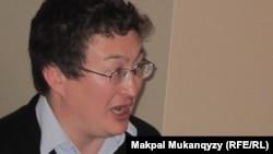 """Қырғызстандағы """"Дін, құқық және саясат"""" орталығының жетекшісі Қадыр Мәліков."""