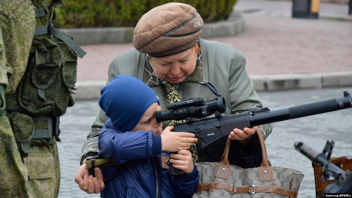 Crimean Kids With Kalashnikovs: Critics Warn Of Growing Emphasis On 'Patriotic' Education