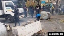 بر اساس بررسیهای رادیو فردا حداقل ۴۸۰۰ نفر در جریان اعتراضهای اخیر در استانهای مختلف بازداشت شدهاند