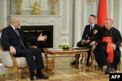 Падчас сустрэчы з Аляксандрам Лукашэнкам.