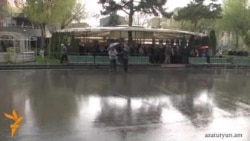Անձրեւը խափանեց «Բարեւ Երեւան»-ի հավաքը Ազատության հրապարակում