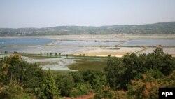 Pogled na Piranski zaliv, sa hrvatske strane granice, jun 2010. godine