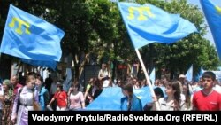 Ukraine -- More than 15 thousands Crimean Tatars carried out a funeral rally on the occasion of 67th anniversary of deportation of Crimean Tatars, in the center of Simferopol, Crimea, 18May2011