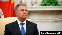 Klaus Iohannis a spus, la lansarea cărții sale în SUA, că românii au oprit prin protestele lor din 2017 ordonanța amnistiei și grațierii