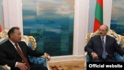 Курманбек Бакіеў і Аляксандар Лукашэнка, архіўнае фота