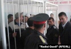 Во время последнего заседания суда 1 ноября, когда все 7 обвиненных вышли на свободу