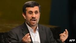 Иранскиот претседател Махмуд Ахмадинеџад зборува пред Генералното собрание на ОН во Њујорк.