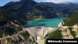 Гидроэлектростанция находится в двойном ведении. Так или иначе, абхазской и грузинской сторонам приходится сотрудничать в этой сфере