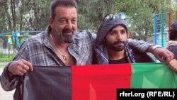 ځوان فلمي لوبغاړی همایون شمس خان د هندي سینما له وتلي فلمي لوبغاړي سنجيدت سره