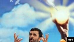Иран не собирается отказываться от «достижений исламской революции». Президент Ахмадинежад наступает