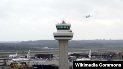 Аеропорт Гатвік 21 грудня відновив роботу після понад доби повної зупинки польотів