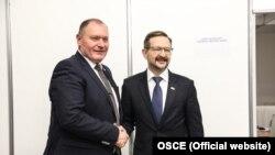 Ministrul moldovean de externe, Aureliu Ciocoi, împreună cu secretarul general al OSCE, Thomas Greminger, la Bratislava, 6 decembrie 2019