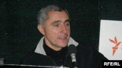 Xalq artisti Alim Qasımov: «Gərək mənim çəkdiyim əziyyətlər öz qiymətini ala»