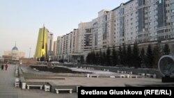 """Жилой комплекс """"Нурсая"""" недалеко от Акорды. Астана, 28 марта 2013 года."""