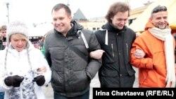 """Слева направо: Евгения Чирикова и активисты """"Прорыва"""" - Николай Ляскин, Федор Хотьков и Серж Константинов"""