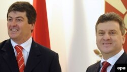Македонскиот и албанскиот претседател, Ѓорге Иванов и Бамир Топи