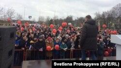 Встреча Навального с жителями Пскова