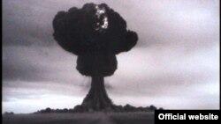 Испытание первой советской атомной бомбы на Семипалатинском полигоне. 29 августа 1949 года.