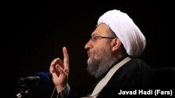İran ədliyyəsinin başçısı Sadeq Larijani yeni sanksiya siyahısına salınıb
