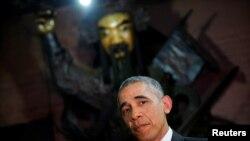 Barack Obama u hramu u Ho Ši Minu