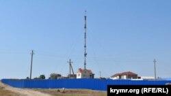 На этом месте в Севастополе, в районе пересечения улицы Генерала Мельника и Лабораторного шоссе, планируют построить ледовый дворец