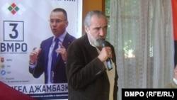 Андрей Слабаков по време на предизборната си кампания като канидат за евродепутат от ВМРО