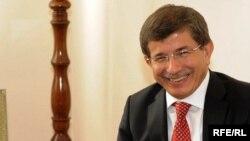 Türkiýäniň daşary işler ministri Ahmet Dawutogly.
