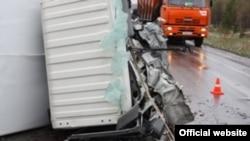 Кыргыз мигранттары учураган жол кырсыгынан бир көрүнүш, Красноярск, 18-май, 2012-жыл