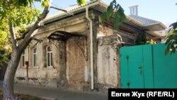 Этот дом ждет ремонта