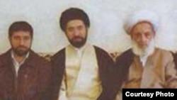 مجتبی خامنهای (وسط)، پسر علی خامنهای