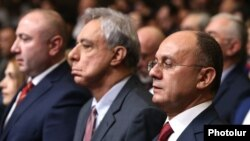 Armenia - Former Defense Minister Seyran Ohanian (R) and former Foreign Minister Vartan Oskanian hold a conference of their election bloc in Yerevan, 25Feb2017.