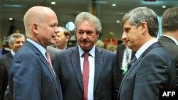 ევროკავშირის საგარეო საქმეთა მინისტრთა საბჭოს წევრები ბრიუსელში, სირიის საკითხზე გამართული შეხვედრის წინ (27 მაისი)