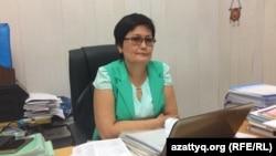 Шалқар қаласындағы №5 мектеп-лицей директоры Әлия Әбдіғапарова.