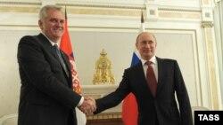 Nikolliq dhe Putin - foto arkivi