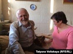 Юлий Рыбаков с женой и собакой
