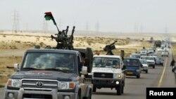 Ливиялық қарулы көтерілісшілер шеруі. Брега, 30 наурыз 2011 жыл