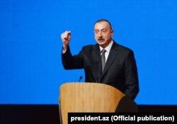 İlham Əliyev YAP-ın 6-cı qurultayında