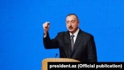 Претседателот на Азербејџан Илхам Алиев