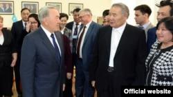 Президент Казахстана Нурсултан Назарбаев во время встречи с общественностью Атырау. 6 февраля 2014 года.