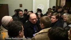 Студенти столичного медичного університету примусили ректора піти